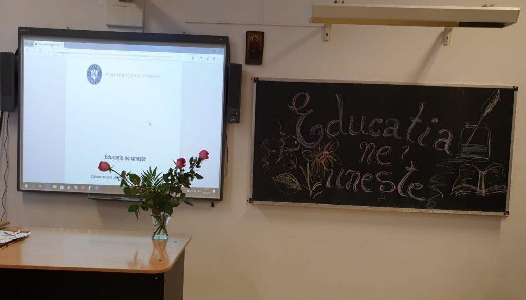 """Dezbatere """"Educația ne unește"""""""